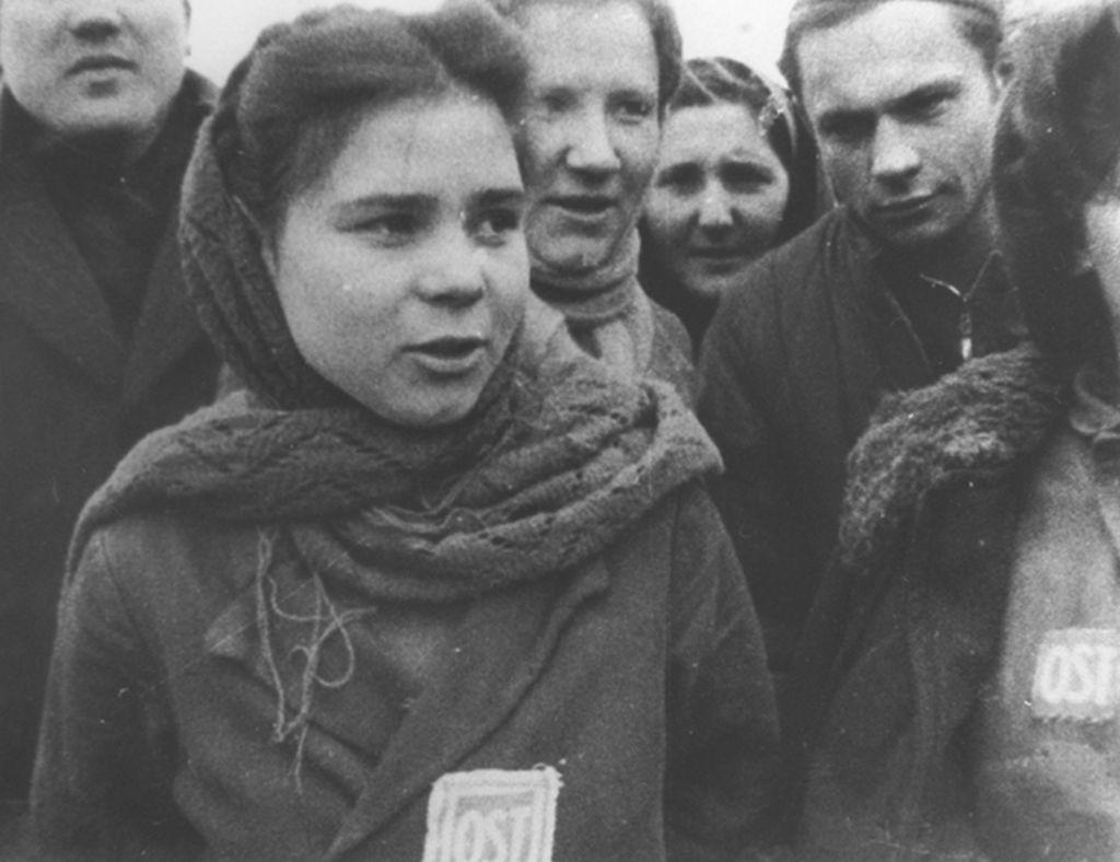 210. Russische dwangarbeiders in koelen bloede geëxecuteerd