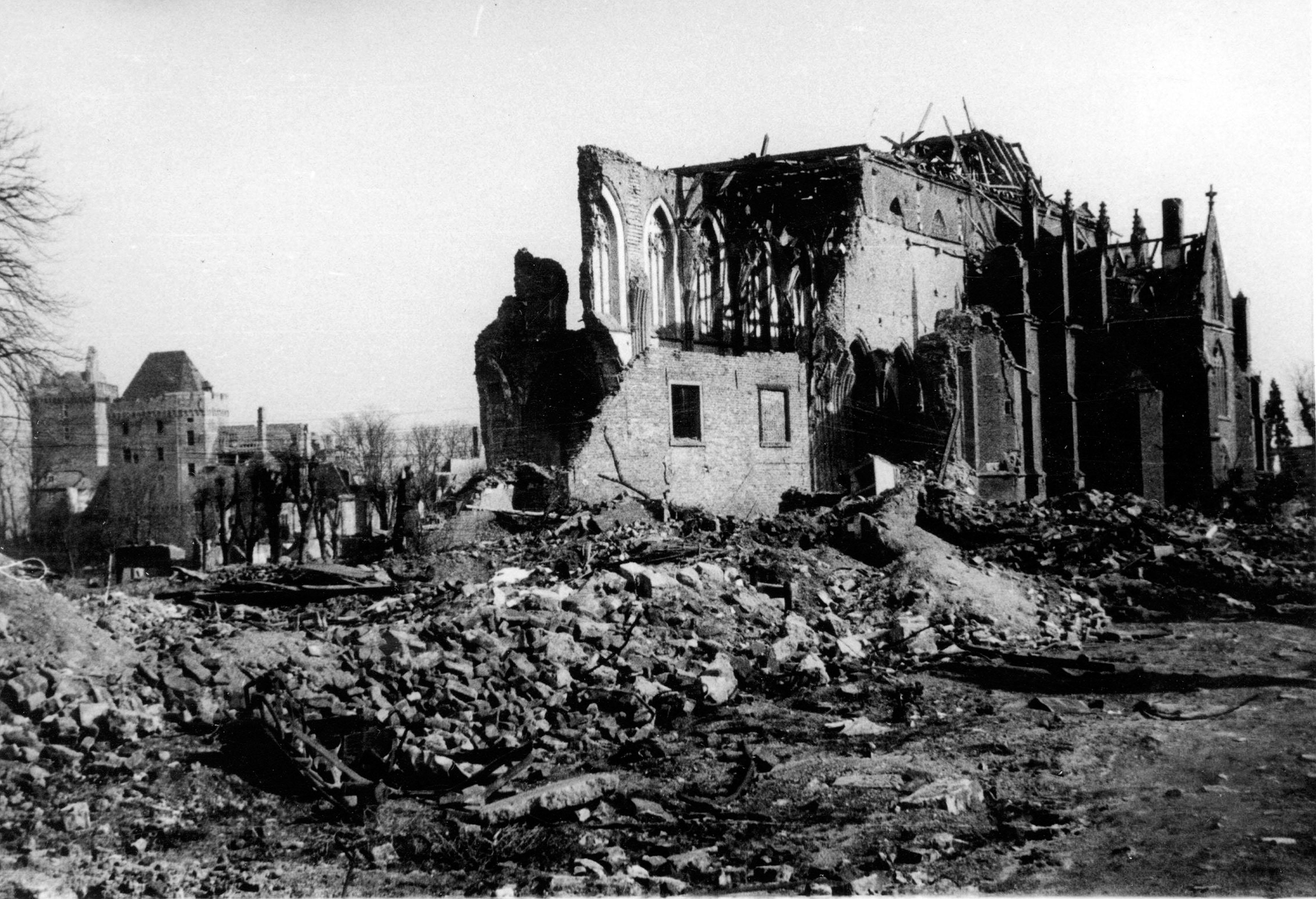 Imprisoned slave labourers killed during bombing