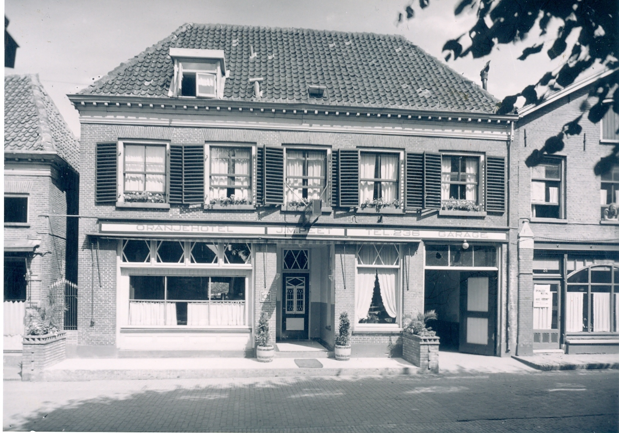 501. Het Oranjehotel
